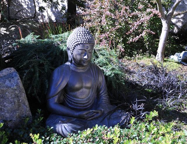 meditation yoga statue