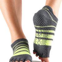 toesox non slip yoga socks
