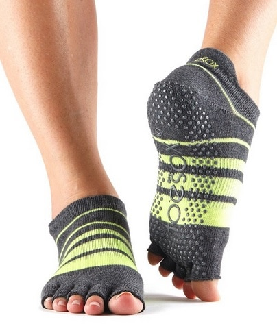 Choosing The Best Non Slip Yoga Socks Yogauthority