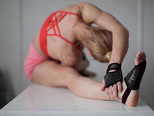 Best Yoga Gloves Reviews Amp Buying Guide Yogauthority
