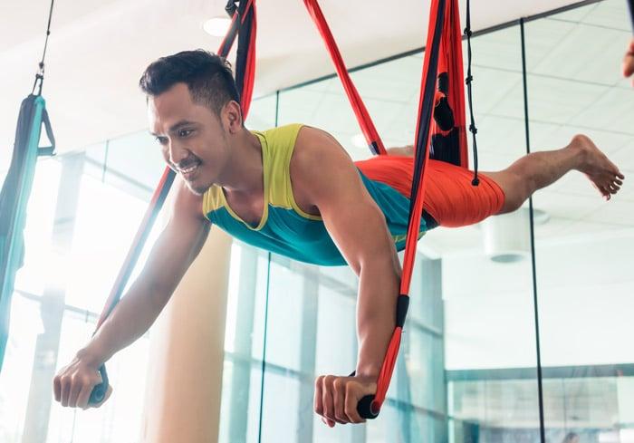 superman trapeze pose